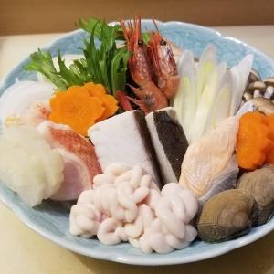 お鍋の季節ですね⛄️❄️. . 二三一でも冬季限定で、お鍋やってますよー☺️ . 2名様からご予約承ってます\(^o^)/ . . 週末はありがたいことに、ご予約でお席がいっぱいです🙏💓. 二三一来るなら今日がチャンスですよー😍😍. . 皆様のご来店、お待ちしてます(^-^)/ . #海鮮 #酒蔵 #二三一